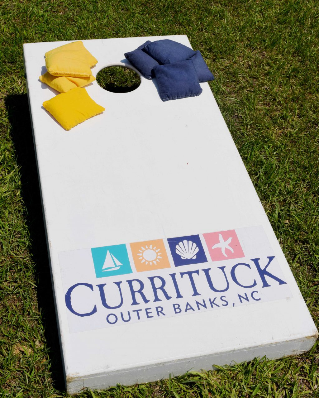 Cornhole Board With Currituck Logo